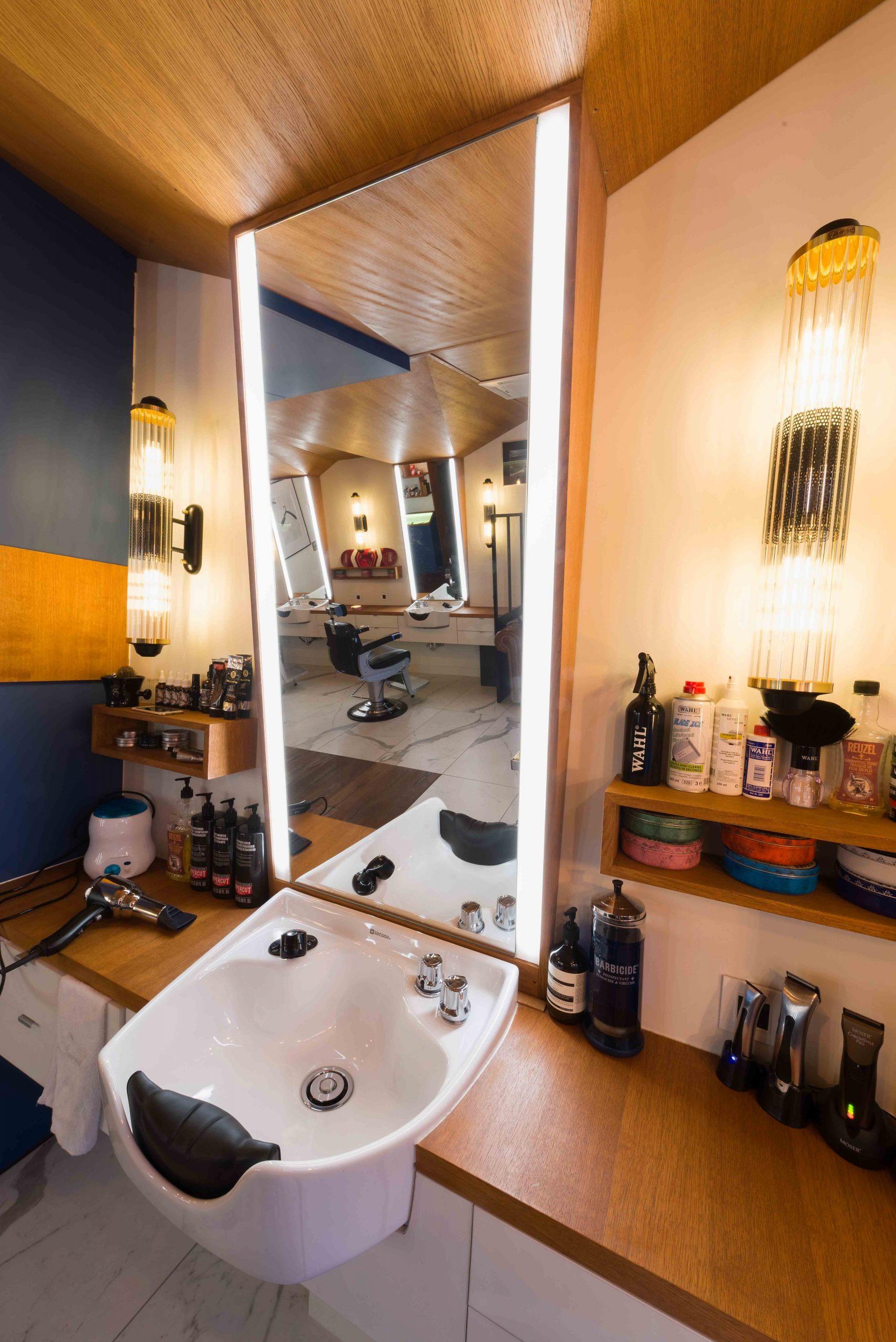 Barbier salon de coiffure Bordeaux La Crèmerie lavabo