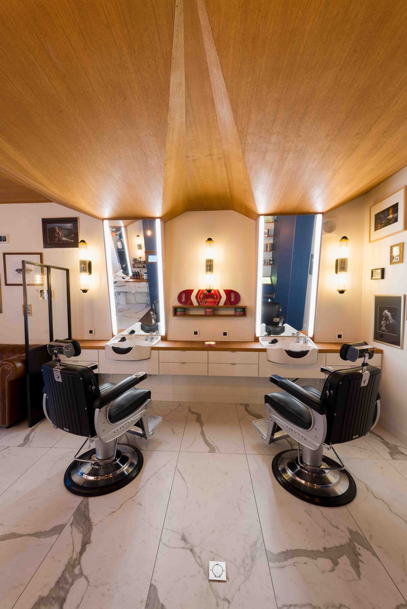 Barbier salon de coiffure Bordeaux La Crèmerie plafonds