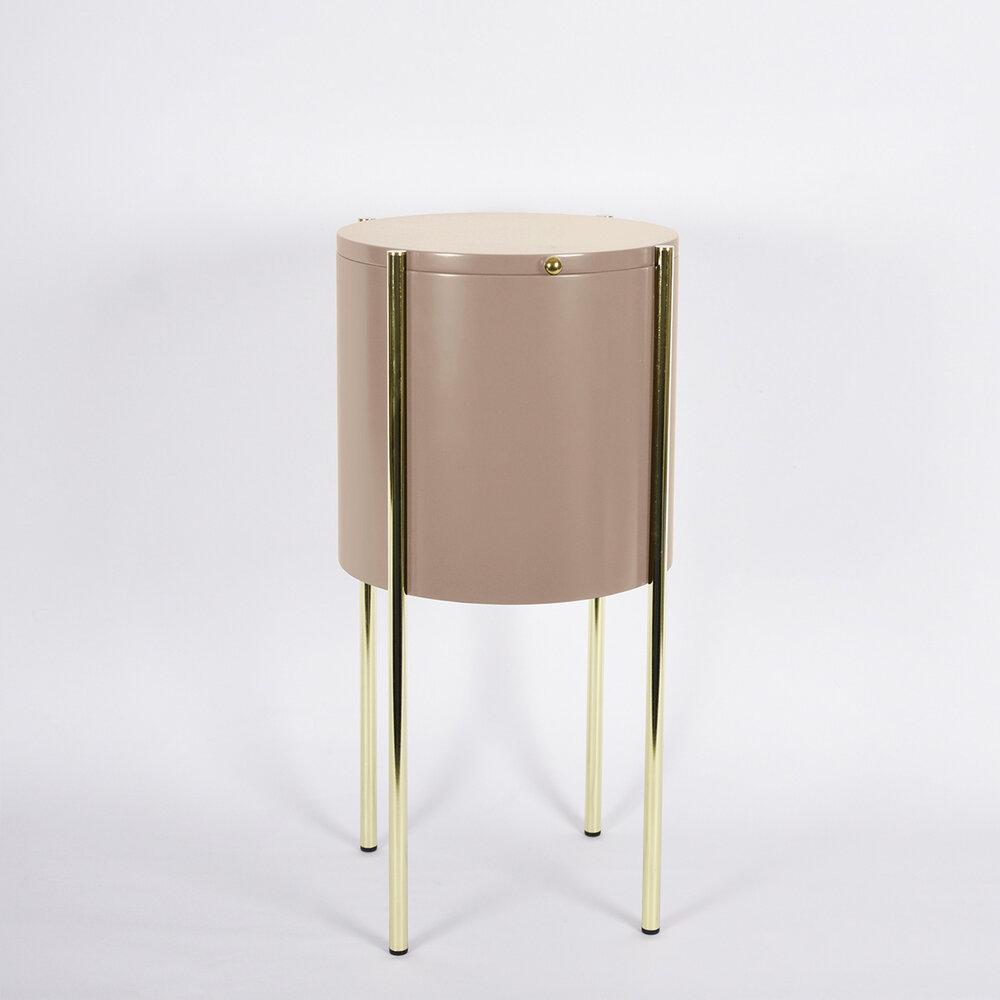 Table - table de chevet - table d'appoint. Fabrication française.